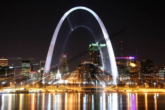 "A ""Twist"" of St. Louis Skyline"
