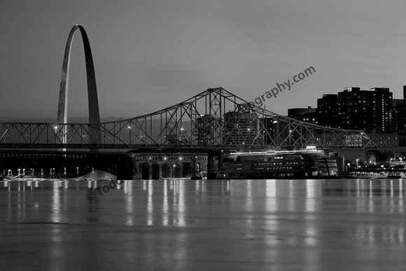 St. Louis and the Admiral in B&W